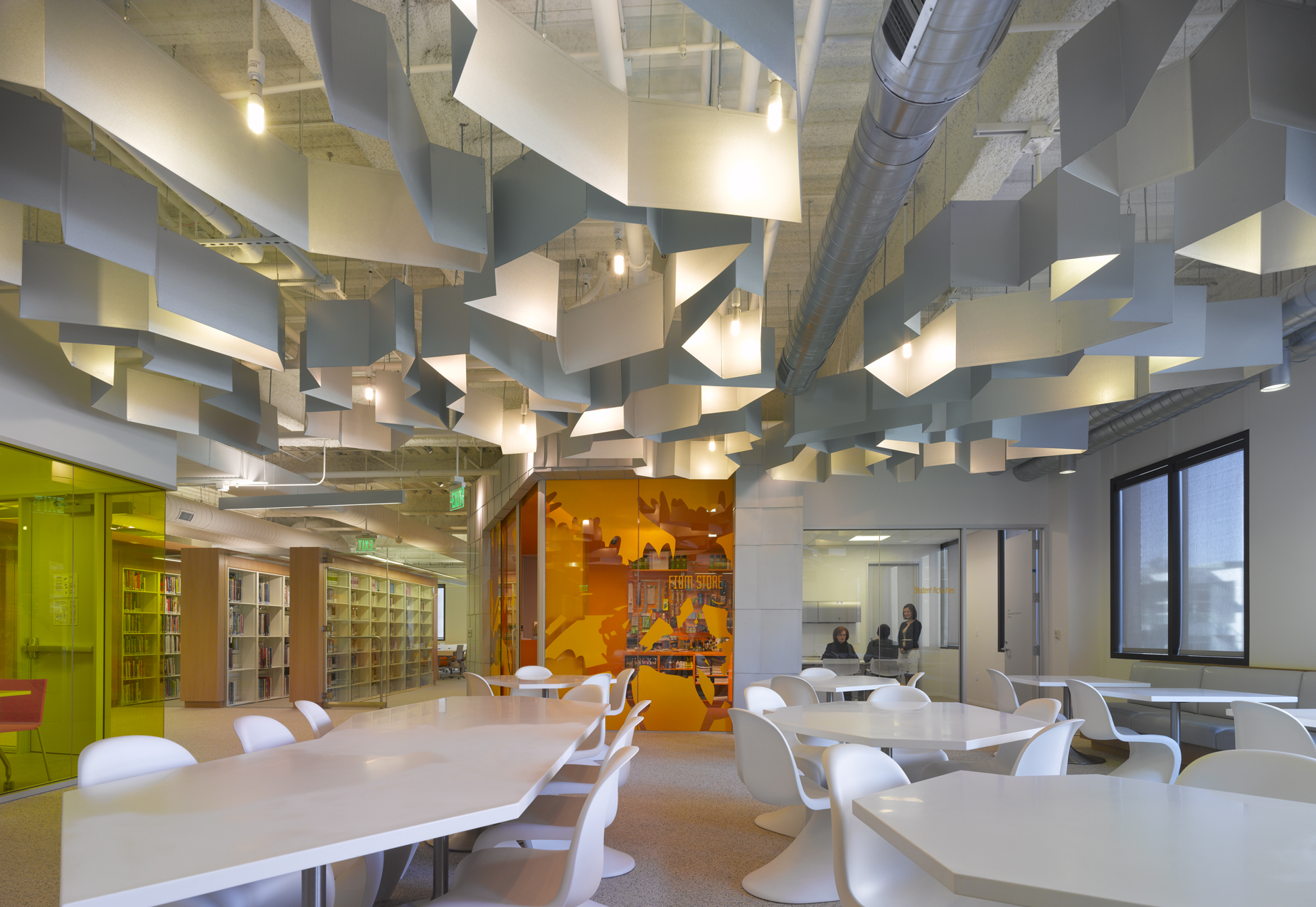 Modern Classroom Facilities ~ An interview with clive wilkinson aia knowledgenet