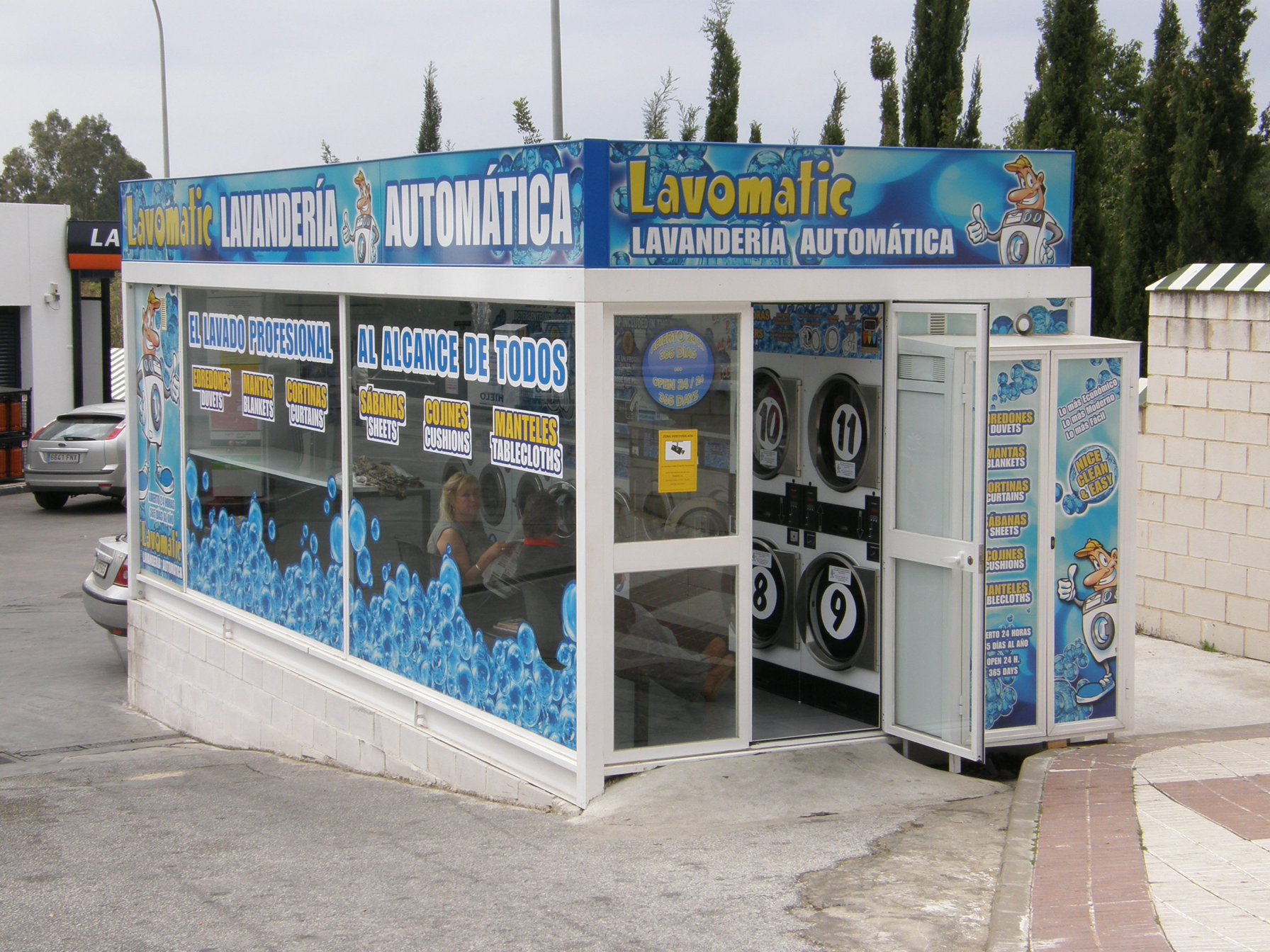 how to build a mobile laundromat