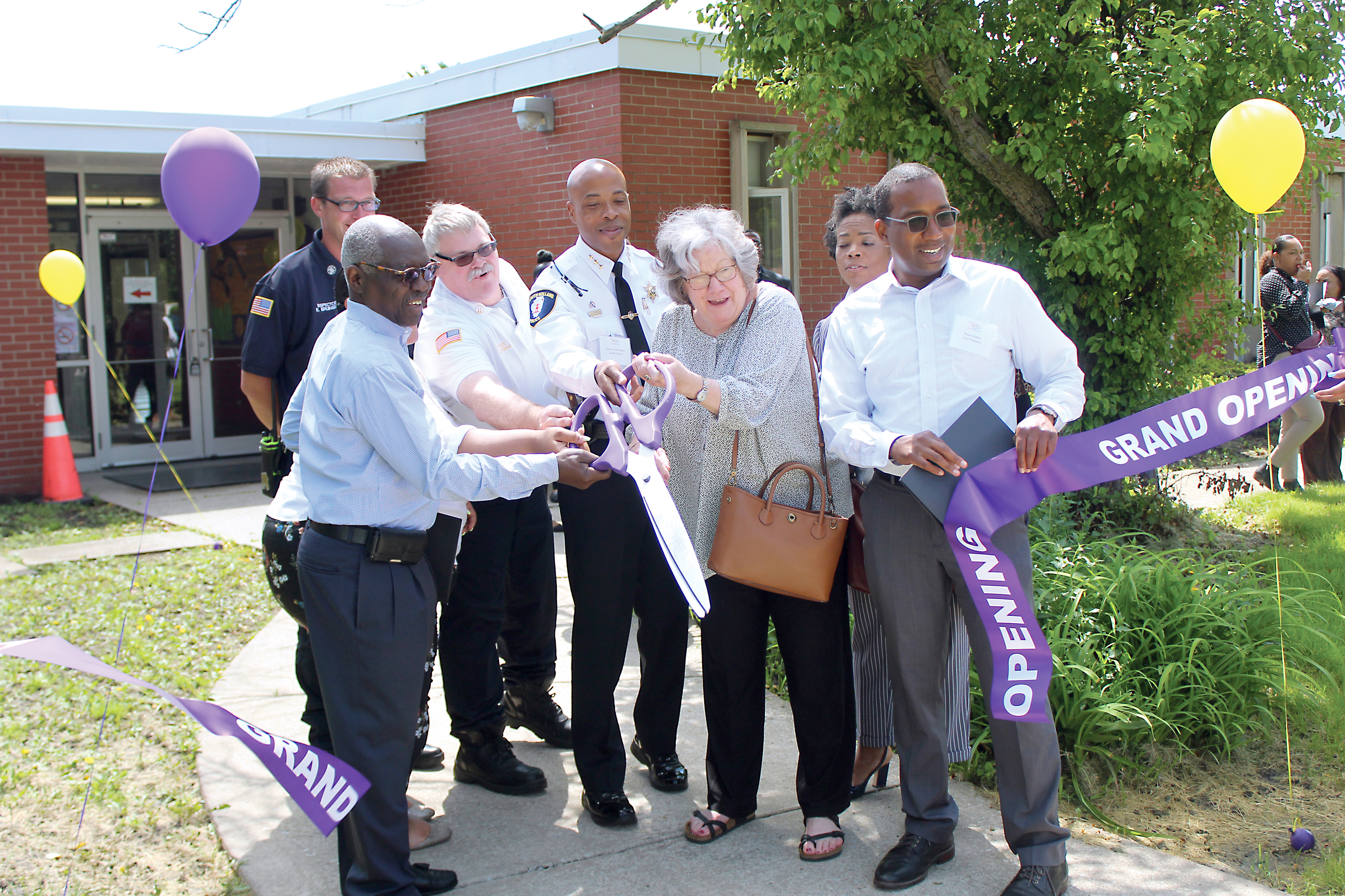 Harvey-South Holland Opening Ribbon Cutting