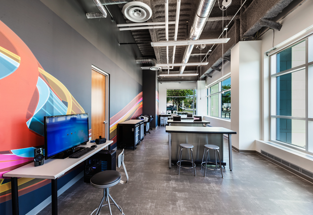 Makerspace: Santori (Aurora) Public Library / Cordogan Clark & Associates Architects
