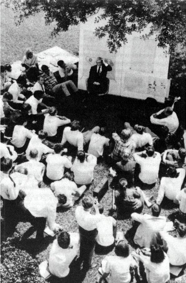 Louis Kahn Teaching Under a Tree