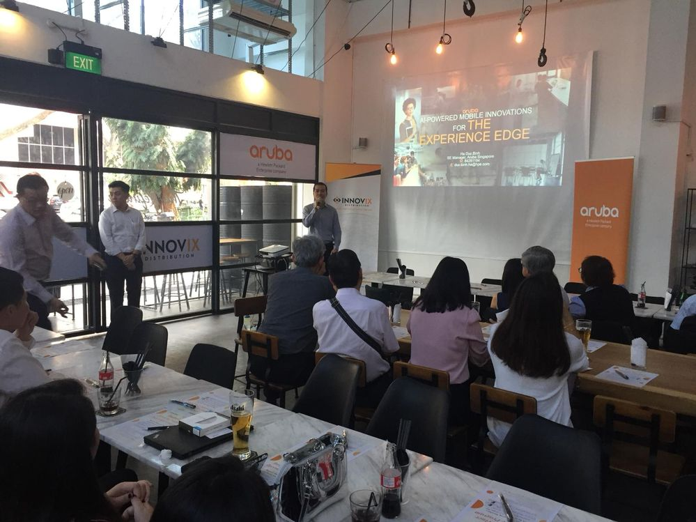 Sharing of Aruba's latest products (.11ax APs, UXI) by Aruba SG Lead SE