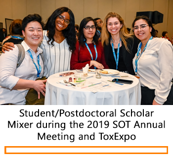 Individuals smiling during the 2019 Student/Postdoctoral Scholar Mixer