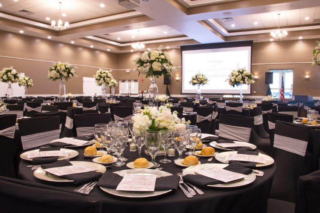 Oasis at Palm Shores Table Decor